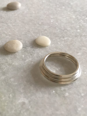 ring_silver_close_2